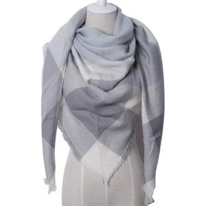 Accessories - Triangle Grey Blanket Scarves NWT